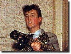 John Lenon com seus 18 anos de idade